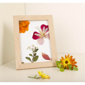 HUCKLEBERRY - pressed flower frame